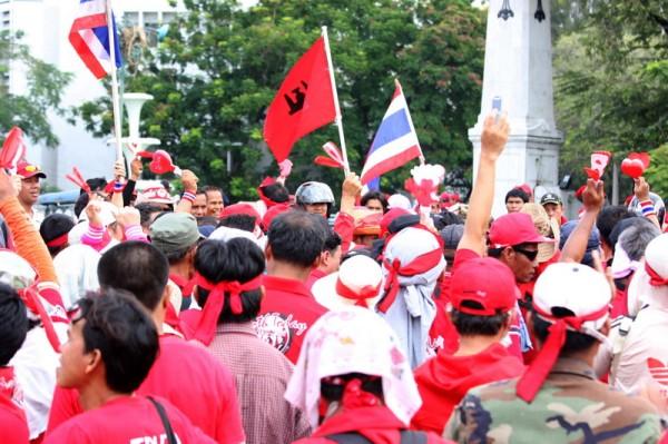การประท้วงของกลุ่มคนเสื้อแดง