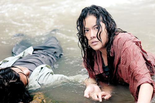 พลอย จินดาโชติ -ปาฏิหาริย์ รักต่างพันธุ์ / Deep in the jungle