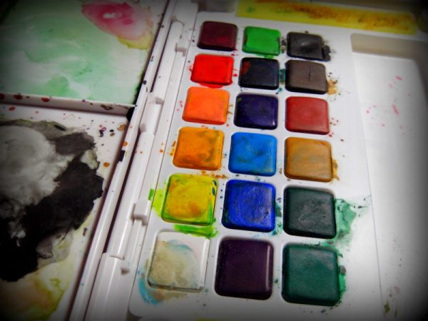 สีก้อนแบบ 18 สี