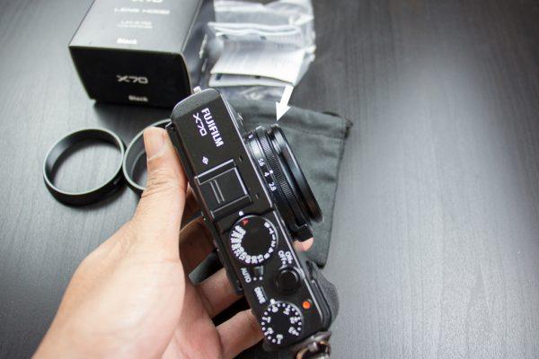 หมุนตัวแหวนที่มากับกล้อง X70 ออก