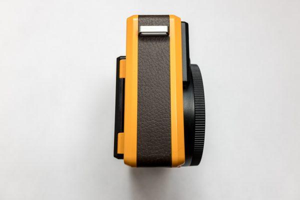 Leica Sofort ด้านข้าง