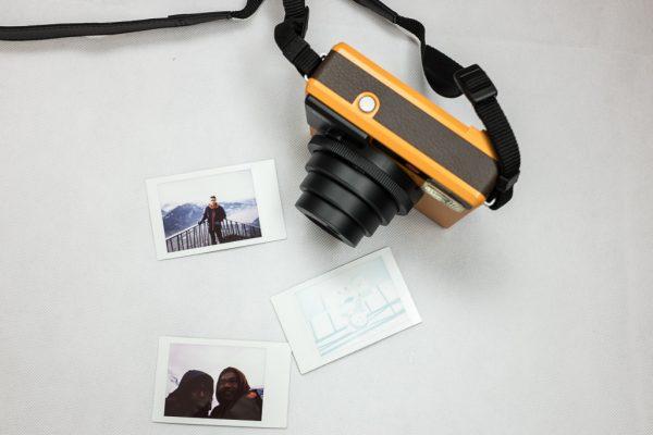 Leica Sofort ด้านบน ตอนเปิดกล้องถ่าย